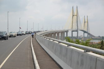 カンボジア国ネアックルン橋(つばさ橋)開通 | お知らせ | 株式会社 長大